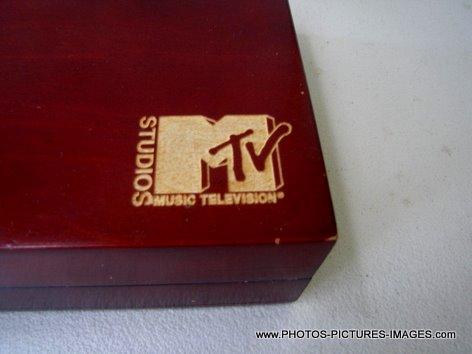 MTV CD and DVD Holder - Hard Wood Grain Finish